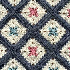 Transcendent Crochet a Solid Granny Square Ideas. Inconceivable Crochet a Solid Granny Square Ideas. Crochet Quilt, Crochet Blocks, Crochet Home, Crochet Motif, Crochet Crafts, Crochet Projects, Crochet Blankets, Baby Blankets, Crochet Baby