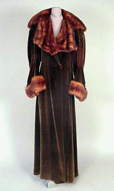 Mangone Velvet Coat 1930s Floor length, of taupe silk velvet, with luxurious draped red fur collar and cuffs, ruched seaming at sleeves, size 8, labeled: Mangone/New York/Daniels and Fisher/Denver.