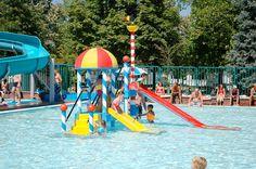 Ook voor de allerjongsten is het genieten in het buiten zwembad. Aqua, Park, Travel, Water, Viajes, Parks, Destinations, Traveling, Trips