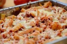 Tuna Noodle Casserole - A tuna noodle casserole is an inexpensive and delicious meal. Healthy Recipes For Diabetics, Healthy Gluten Free Recipes, Healthy Pasta Recipes, Shrimp Recipes, Cooking Recipes, Pizza Casserole, Noodle Casserole, Seafood Salad, Diy Food