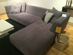 szürke kanapé - praktikus és szép lesz a színeinkhez