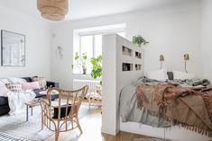 Studio Apartment Room Divider, Studio Apartment Living, Tiny Studio Apartments, Apartment Bedroom Decor, Studio Apartment Decorating, Apartment Interior, Apartment Ideas, Studio Living, Modern Apartments