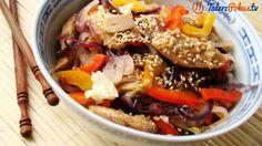 Przepisy » Sałatki i surówki » Orientalna sałatka z kurczakiem » TalerzPokus.tv - przepisy kulinarne z filmami
