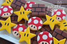 boy birthday parties These 19 Awesome Super Mario Birthday Party Ideas will help you bring this game to life with fun ideas for desserts, decorations, games, and more! Super Mario Party, Super Mario Cake, Mario Bros Kuchen, Mario Bros Cake, Mario Kart Cake, Mario Birthday Cake, Super Mario Birthday, 5th Birthday, Birthday Games