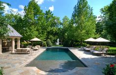 Luxe landscape in Dallas. Harold Leidner Landscape Architects.