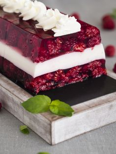 Tasty, Yummy Food, Candy Table, Pavlova, Homemade Cakes, Vanilla Cake, Jelly, Cake Recipes, Deserts