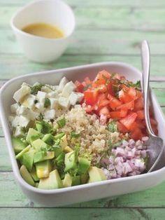 Quinoa salad with feta cheese - Zaloten - Salade Quinoa Salad Recipes, Raw Food Recipes, Vegetarian Recipes, Healthy Recipes, Vegetarian Lifestyle, Quinoa Salat Feta, Healthy Cooking, Healthy Eating, How To Cook Quinoa