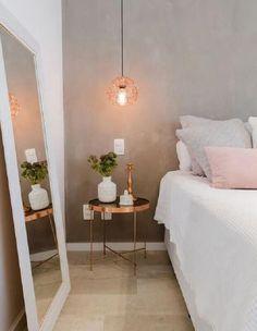 dicas de decoração de quarto com parede de cimento queimado e grande espelho  #dicasdedecoração #decoraçãodecasa #decoraçãodeinteriores