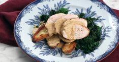 Ugnsstekt kalkonfilé som serveras med råstekt mandelpotatis, vitlöksdoftande grönkål och en krämig sky med apelsin. Underbar helgmiddag med juliga smaker!