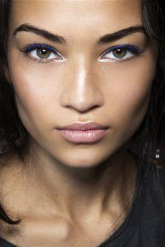 Blue eye make up and her eyebrows! Dạy trang điểm cô nghệ thuật + bới tóc dâu chuyên nghiệp cơ bản đến nâng cao toàn diện. Liên hệ Korigami 0915804875 www.korigami.vn/?m=1 ... www.facebook.com/kuansaigon