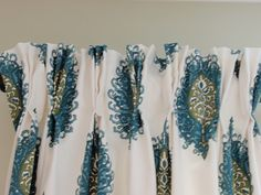 DIY by Design: How to Make Lined Pinch Pleat Drapes - use pleating tape! Never knew about this. Time to make a trip to JoAnn's! Pinch Pleat Curtains, Pleated Curtains, Drapes Curtains, Sewing Curtains, Sewing Hacks, Sewing Tutorials, Sewing Crafts, Sewing Projects, Sewing Patterns