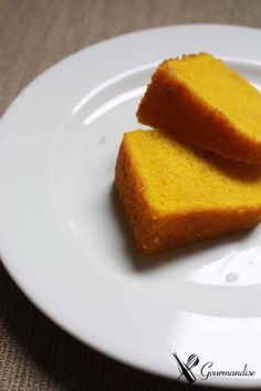 Turmeric cake Food Cakes, Cupcake Cakes, Cupcakes, Wine Recipes, Real Food Recipes, Dessert Recipes, Yummy Food, Super Healthy Recipes, Healthy Desserts