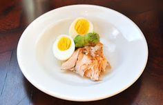 A LA GRAHAM: SALMON SALAD WITH AVOCADO AND EGG- CLEAN EATING