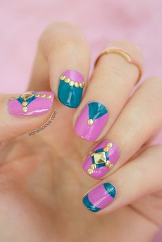 Pink nail design with studs. Click for manicure details. linda unha decorada! #nail #unhas #unha #nails #unhasdecoradas #nailart #gorgeous #fashion #stylish #lindo #cool #cute #fofo #elegante #chic