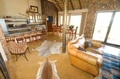 Feel like you need an urgent break from the city? Here are 20 great weekend getaways Johannesburg wants you to go relax at. Fun Places To Go, Weekend Breaks, Nature Reserve, Weekend Getaways, Relax, Holidays, City, Travel, Home Decor