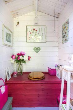 Outhouse Bathroom, Outhouse Decor, Tiny House Bathroom, Outside Toilet, Outdoor Toilet, Cottage Toilets, Outdoor Bathrooms, Composting Toilet, Tiny House Plans