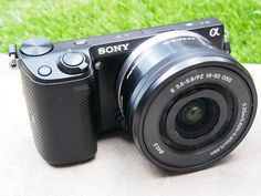 We got a sneak preview of the Sony NEX 5T compact system camera. Here's our initial verdict... http://www.photoforbeginners.com/news/news-features/sony-nex-5t-hands-on-first-look