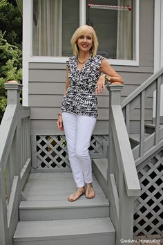 Sleeveless Print Blouse and White Jeans