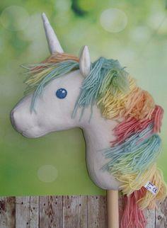 Steckenpferde - Steckenpferd Einhorn Unicorn pastell Regenbogen - ein…
