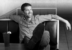 Josh Turner- when I saw him in person, I couldn't believe that deep voice came out of such a small guy!! cute cute cute