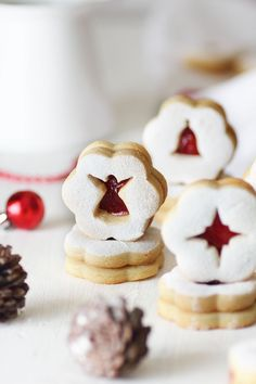 almond jam christmas cookies