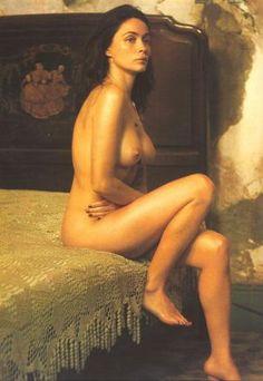 Emmanuelle Béart is naked in Havana.  Sylvie Lancrenon. Emmanuelle Béart. Havana, 2008.