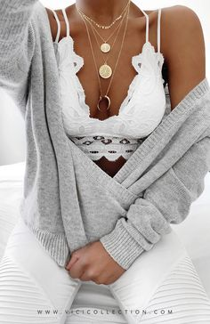 Source by Quarkmonster outfits bralette Mode Outfits, Fall Outfits, Fashion Outfits, Womens Fashion, Fashion Trends, Fashion Ideas, Fashion Inspiration, Classy Outfits, Stylish Outfits