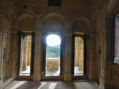 1ª planta. Mirando al este Windows, Curtains, Home Decor, Saints, Columns, Wood Decks, Barrel Ceiling, Blinds, Decoration Home