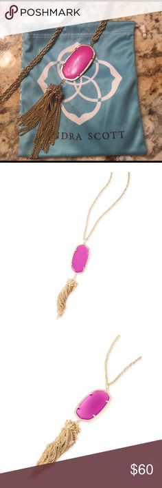 Kendra Scott Rayne necklace in magenta Lovely pop of color to add to your spring/summer outfits! Like brand new. Kendra Scott Jewelry Necklaces