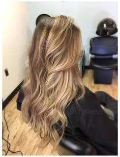Brown Hair With Blonde Highlights, Brown Ombre Hair, Honey Blonde Hair, Brown Hair Balayage, Hair Color Highlights, Balayage Brunette, Ombre Hair Color, Light Brown Hair, Hair Color Balayage