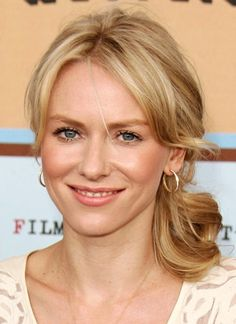 Naomi Watts is playing Evelyn, Tobias' mother.