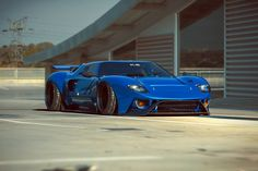 The Ford GT first captured the hearts and minds of many drivers around the world in the A mid-engine, two-seater sports car produced by Ford Exotic Sports Cars, Cool Sports Cars, Sport Cars, Cool Cars, Volkswagen, Ford Gt40, Us Cars, Car Ford, Modified Cars