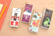 """Make memorization fun with these flash cards, featuring covers with cute animal prints based on the """"Kuumama Choice"""" series of whimsical bags and children's apparel."""