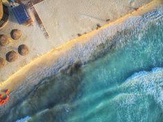 Para quem gosta de agitação, Playa del Carmen: É a praia mais agitada de toda a Riviera Maya. O centro da cidade tem ótima oferta de comércio com restaurantes, bares, lojas de souvenires e até albergues mais rústicos, porém muito simpáticos. Nas vias (livres de carros), artistas de rua fazem apresentações, o movimento de turistas e nativos é intenso e torna-se uma boa oportunidade de conhecer pessoas do mundo inteiro.