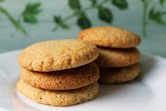 Ízek és élmények: Gyömbéres keksz Hamburger, Bread, Cookies, Cake, Recipes, Food, Macaron, Deserts, Crack Crackers