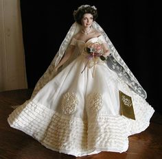 Vintage bridal icon jacqueline lee bouvier kennedy onassis jackie kennedy doll dressed in her vintage wedding gown in my mothers collection junglespirit Images