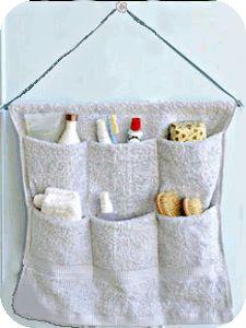 avec une vieille serviette de bain