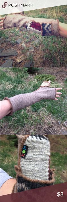 😻3 for $12 Cute Arm warmers Cute warm arm warmers. Different design for each arm. Great for driving! Bundle with any other item that is marked 😻 3 for $12  and offer $12! xob Accessories Gloves & Mittens