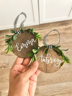 Personalized Christmas Ornaments, Christmas Gift Tags, Christmas Holidays, Rustic Homemade Christmas Ornaments, Rustic Christmas Decorations, Custom Ornaments, Christmas Place Cards, Wood Ornaments, Wreaths