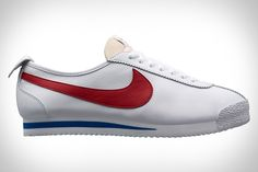 Nike digs into its rich history again to bring back the Nike Cortez '72 Shoes. The original innovation came from legendary track coach and Nike co-founder Bill Bowerman, who created the Cortez prototype that added midsole cushioning which greatly improved...
