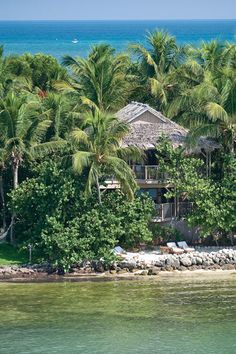 Free 4th night at Little Palm Island Resort and Spa with Amex FHR #luxury #hotel #travel