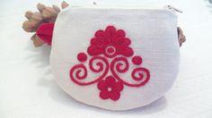 Folk Fashion, Fashion Art, Art Styles, Portuguese, Hungary, Folk Art, Purses And Bags, Floral Design, Coin Purse