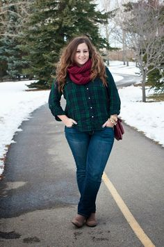 Blackwatch plaid, oxblood scarf, casual winter fashion, outfit // @ashtonwearsthings on Instagram
