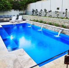 This cool modern swimming pool for your home. This cool modern swimming pool for your home. Small Swimming Pools, Small Backyard Pools, Backyard Pool Landscaping, Backyard Pool Designs, Small Pools, Swimming Pools Backyard, Swimming Pool Designs, Outdoor Pool, Small Patio