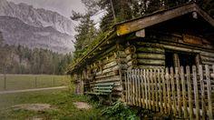 https://flic.kr/p/NDRtww | hut | Rustic hutt close to Zugspitze.