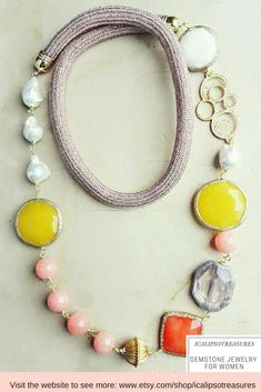 Summer necklace for women with natural gemstones in pastel tones. This statement necklace, made of pink jade, agate and amethyst it will be a perfect gift for girlfriend or wife. Visit the website to discover the whole ICALIPSO collection.