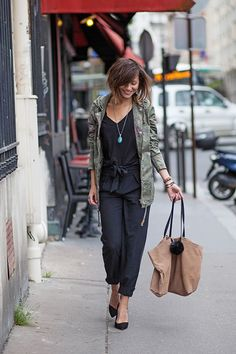 Veste Only Pantalon Vero Moda Top Ikks Escarpins Asos Sac American Vintage… Womens Fashion For Work, Look Fashion, Winter Fashion, Looks Style, Style Me, Style Parisienne, Khaki Jacket, Look Boho, Winter Mode