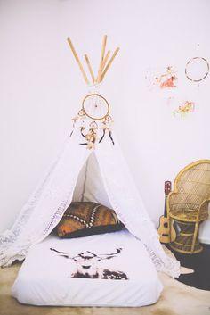Children's room - Tipi - Jojo's Room Baby/Guest room guest must sleep in teepee Teepee Bed, Kid Spaces, Kids Decor, Boy Room, Room Baby, Child Room, Kids Bedroom, Aztec Bedroom, Toddler Bed