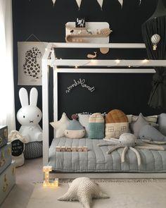 5 clever ideas to prepare the nursery . Baby Boy Room Decor, Baby Bedroom, Baby Boy Rooms, Little Girl Rooms, Room Boys, Space Themed Nursery, Nursery Themes, Nursery Decor, Kids Bedroom Designs