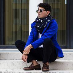 Polka dots and cobalt blue jacket. Men's Scarves, Lightweight Scarf, Keep Warm, Scarf Styles, Classic Looks, Cobalt Blue, Anonymous, Polka Dots, Elegant